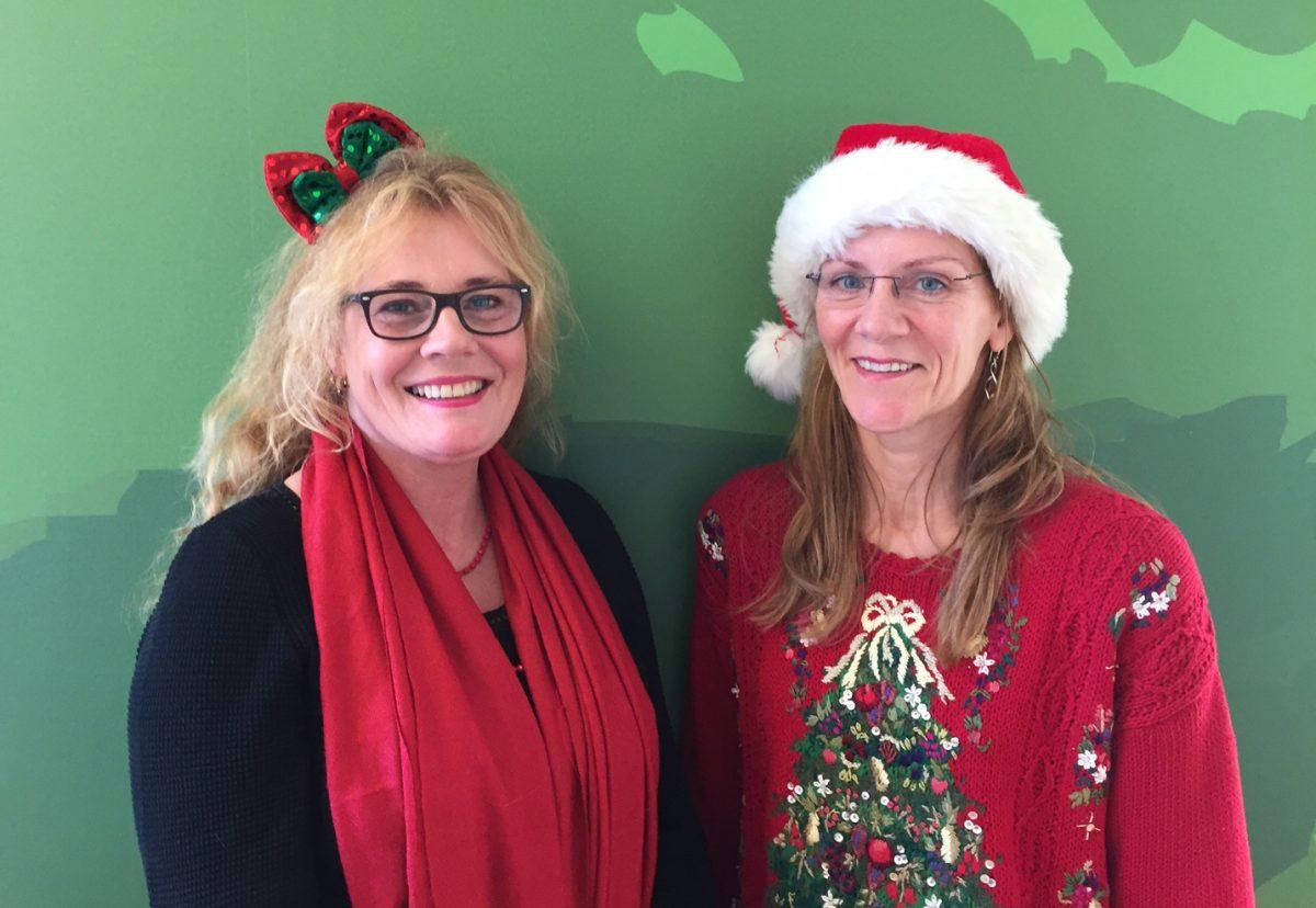 Anna och Linda önskar God Jul!
